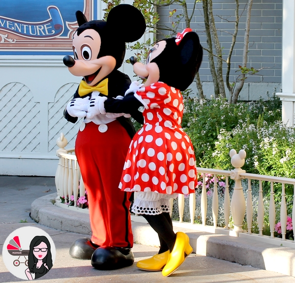 disney land minnie mickey