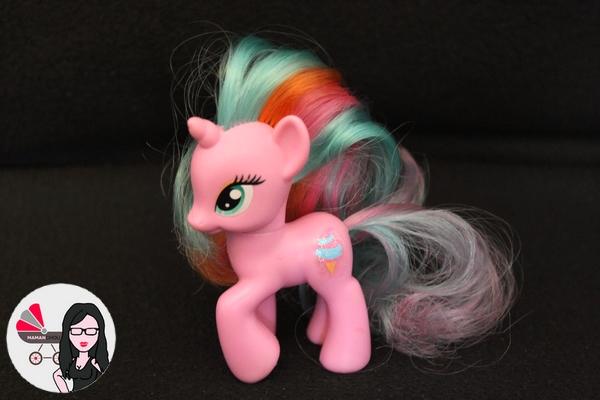 My Little pony figurines (16)