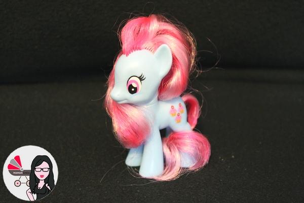 My Little pony figurines (17)