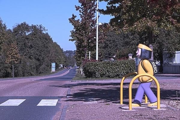 crosswalk-966851_640