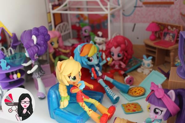 equestria minis scene