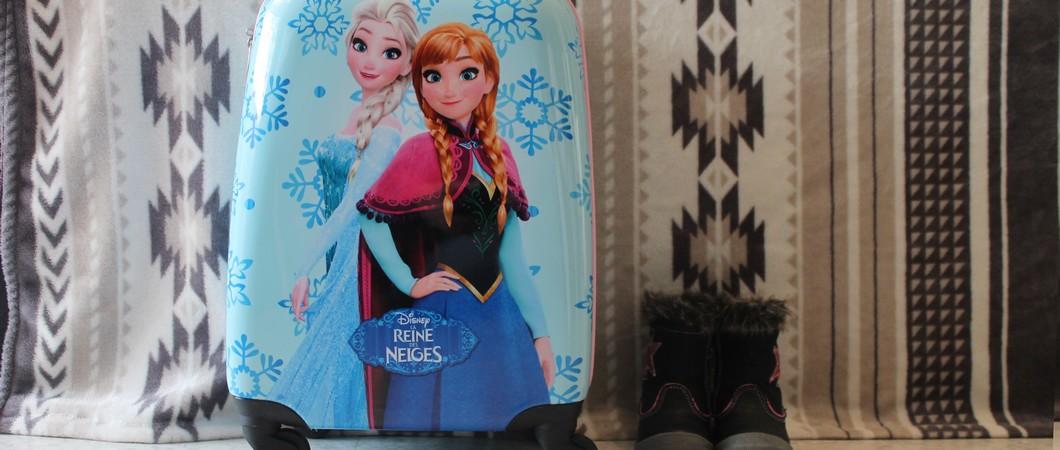 On découvre Modes & Co avec une jolie valise enfant Reine des neiges