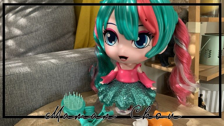 Fancy, la poupée à coiffer aux couleurs pop signée Splash Toys